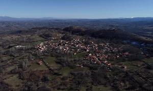 Κορονοϊός - Συγκλονιστικό βίντεο: Το ερημωμένο χωριό Δαμασκηνιά από drone