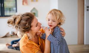 Κορονοϊός: Πώς μιλάμε και στηρίζουμε ψυχολογικά τα παιδιά προσχολικής και πρώτης σχολικής ηλικίας;
