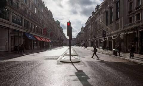 Κορονοϊός – Βρετανία: Η κυβέρνηση κλείνει τα σχολεία