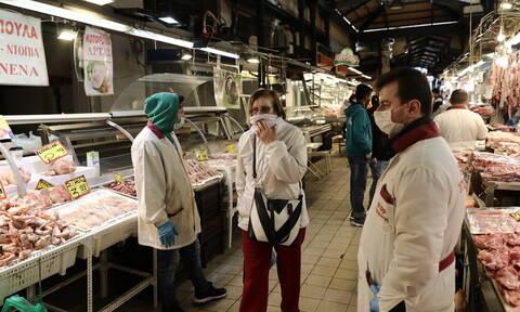 Κορονοϊός στην Ελλάδα: Αυξάνονται τα μέτρα προστασίας στη Βαρβάκειο αγορά