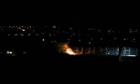 Νέα ένταση στον Έβρο: Επιχείρησαν να ρίξουν τον φράχτη με φλεγόμενο δέντρο - Βίντεο ντοκουμέντο