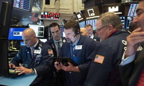 Κορονοϊός: Επέστρεψε στα κέρδη η Wall Street - «Άλμα» για το πετρέλαιο