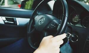 Τρελό γέλιο! Κόπηκε στις εξετάσεις οδήγησης - Aυτό που έπαθε μετά δεν θα το ξεχάσει ποτέ! (pics+vid)