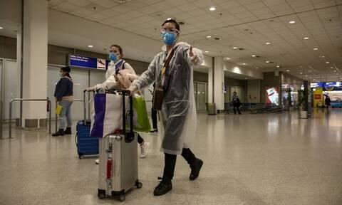 Κορονοϊός: Απίστευτες στιγμές στο «Ελ. Βενιζέλος» - Έκλαιγαν Έλληνες που επέστρεψαν από Λονδίνο