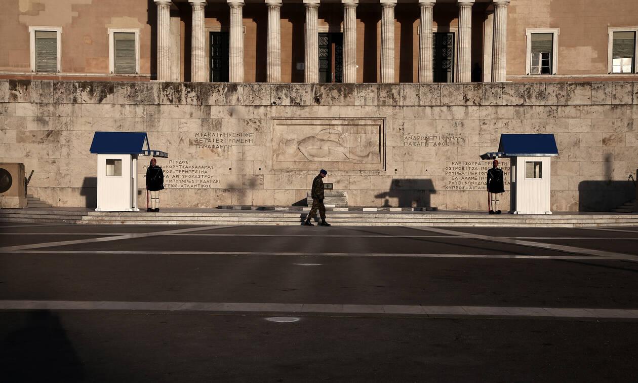 Κορονοϊός στην Ελλάδα - Απαγόρευση κυκλοφορίας: Κοντά στην έσχατη λύση η κυβέρνηση