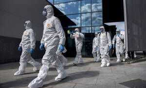 Κορονοϊός: Εφιαλτική πρόβλεψη μικροβιολόγου - «Ο ιός θα επιστρέψει πιο επιθετικός»