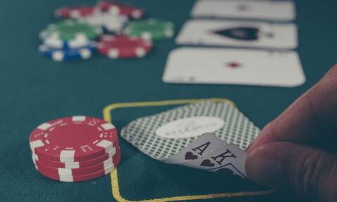 Πήγαν σε καζίνο να παίξουν πόκερ - Δεν φαντάζεστε τι προκλητικό πόνταραν (vid)