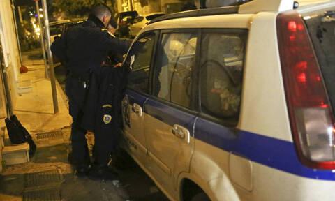 Κοζάνη: Οι γείτονες του έστειλαν την αστυνομία επειδή βγήκε στο μπαλκόνι και έβαλε μουσική (vid)