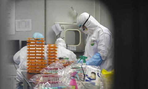 Κορονοϊός: Μάχη των επιστημόνων με τον χρόνο για το εμβόλιο που θα σώσει ζωές