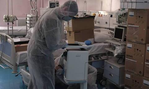 Κορονοϊός: Οι πιο κρίσιμες ημέρες για την Ελλάδα - Τι λένε Έλληνες γιατροί για την πανδημία