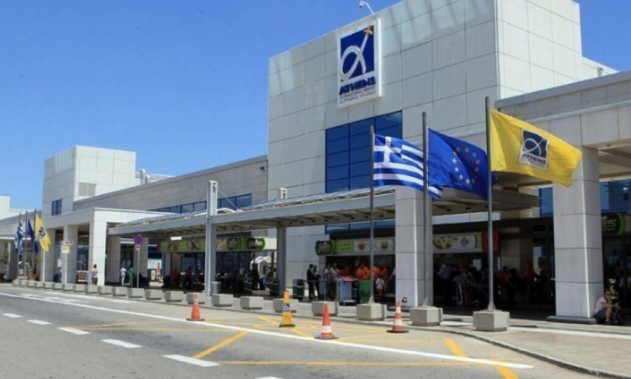 Ένας Έλληνας μοιράζεται την ιστορία της επιστροφής του από την Αγγλία στην Ελλάδα του κορονοϊού