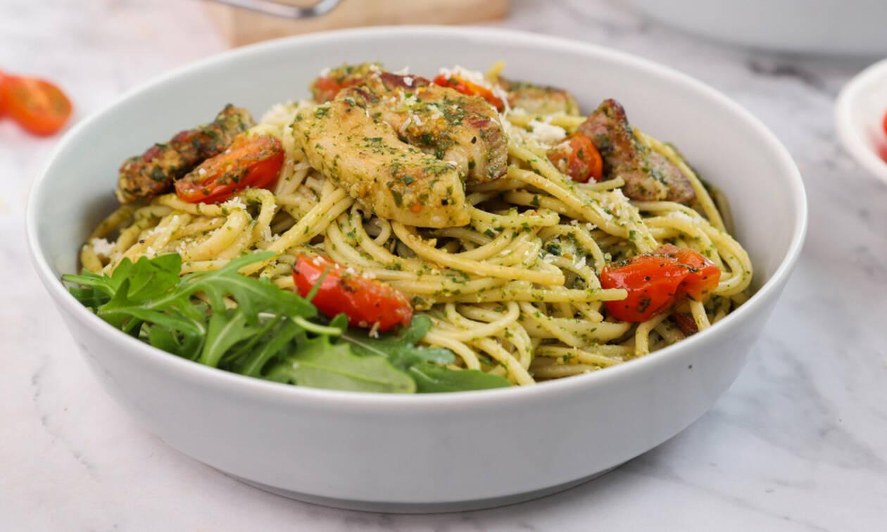 Η συνταγή της ημέρας: Σπαγγέτι με πανσέτα, ντοματίνια και πέστο βασιλικού