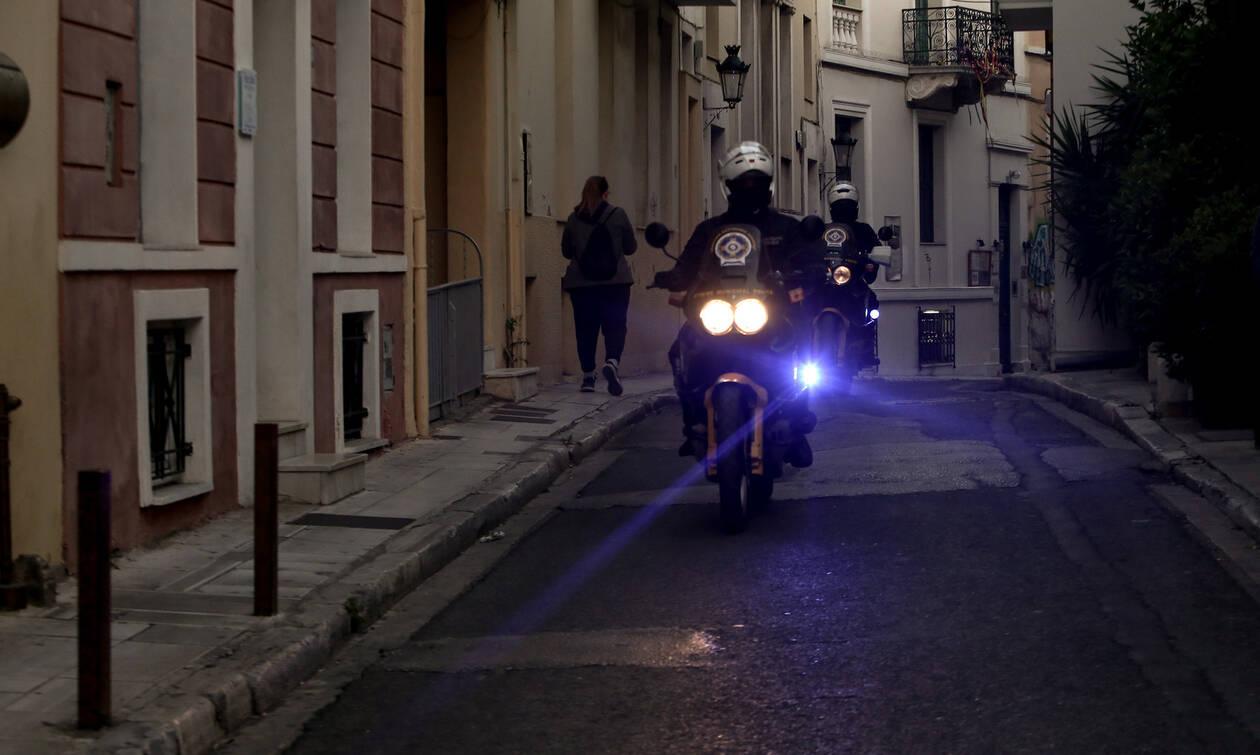 Απαγόρευση κυκλοφορίας: Ποιοι θα μπορούν να κυκλοφορούν και για ποιους λόγους