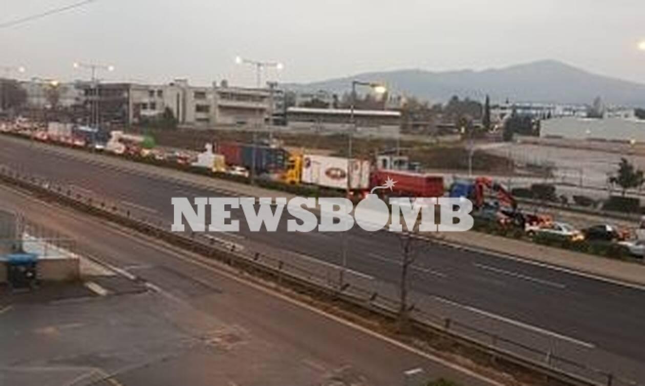 Απαγόρευση κυκλοφορίας – ΤΩΡΑ: Χάος στην Αθηνών – Λαμίας – «Μπλόκο» της ΕΛ.ΑΣ. στους οδηγούς