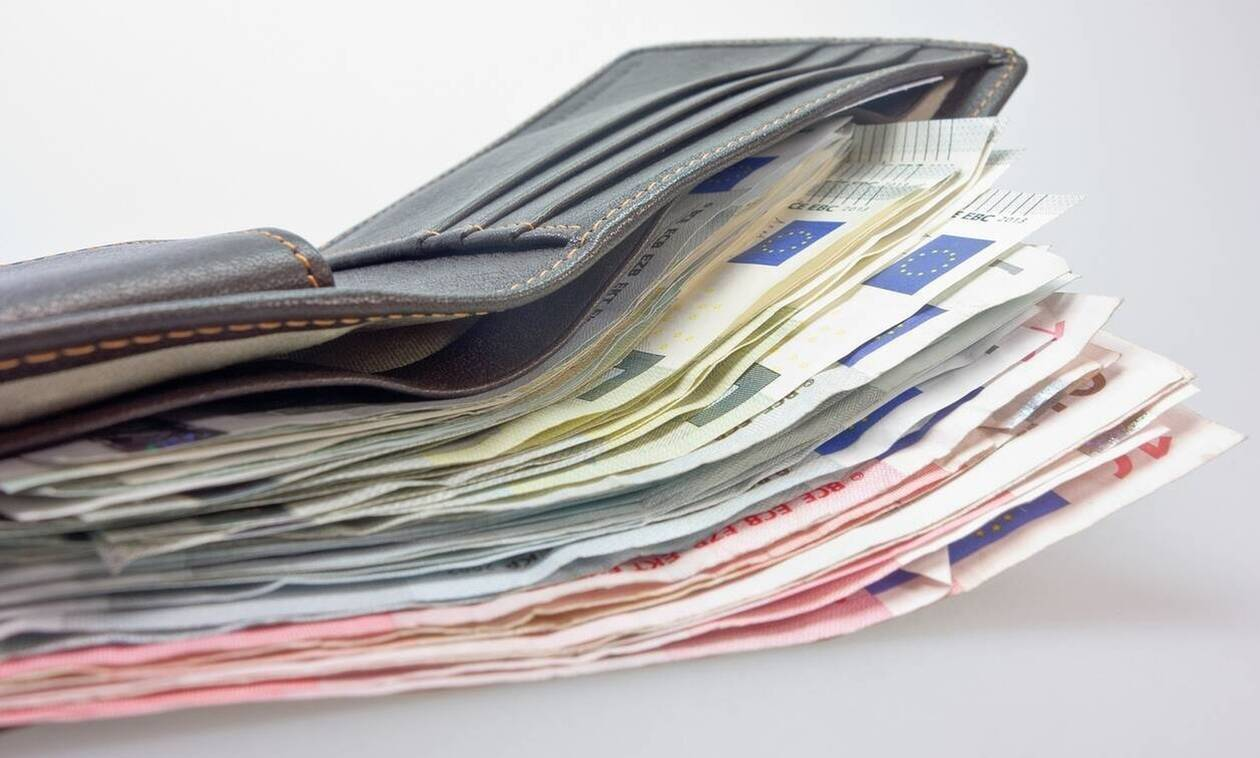 Κορoνοϊός στην Ελλάδα: Πότε ξεκινούν οι αιτήσεις για το επίδομα των 800 ευρώ - Πότε θα καταβληθεί