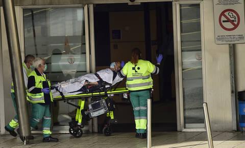 Κορονοϊός - Ισπανία: Δεν έχει τέλος το δράμα - Ξεπέρασαν τους 2.000 οι νεκροί