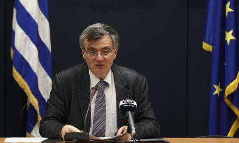 Τσιόδρας στο Newsbomb.gr: Καθυστέρηση των κρουσμάτων για 6-8 εβδομάδες - Αποκάλυψη για νέο φάρμακο