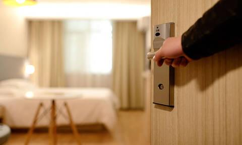 Κορονοϊός: Αυτά είναι τα έξι ξενοδοχεία που μένουν ανοιχτά στην Αττική