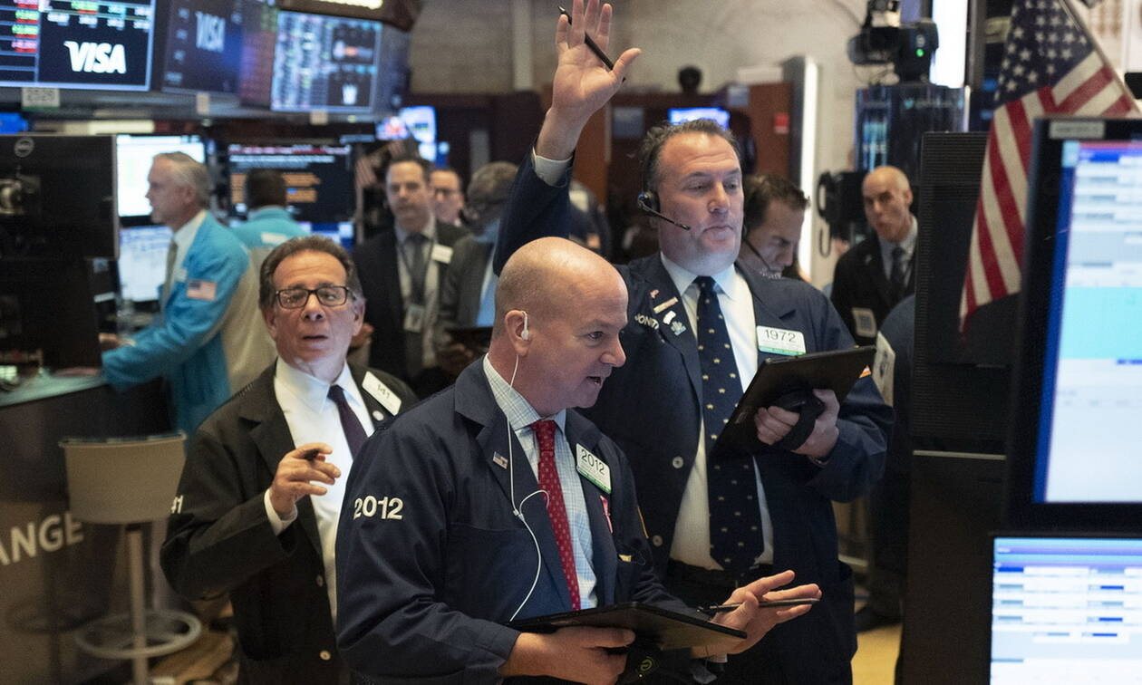 Κορονοϊός: Τα μέτρα της Fed δεν βοήθησαν τη Wall Street -  Άνοδος για το πετρέλαιο
