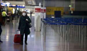 Κορονοϊός: Σκέψεις να τεθεί η χώρα σε καραντίνα – Ένα βήμα πριν την απαγόρευση πτήσεων