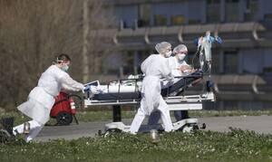 Κορονοϊός: Ιερέας - ήρωας έδωσε την αναπνευστική μάσκα του σε νεότερο ασθενή και πέθανε (pics)
