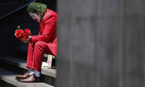 Η νέα πραγματικότητα στις μέρες του κορονοϊού - Πόσο έχει αλλάξει τη ζωή μέσα από φωτογραφίες