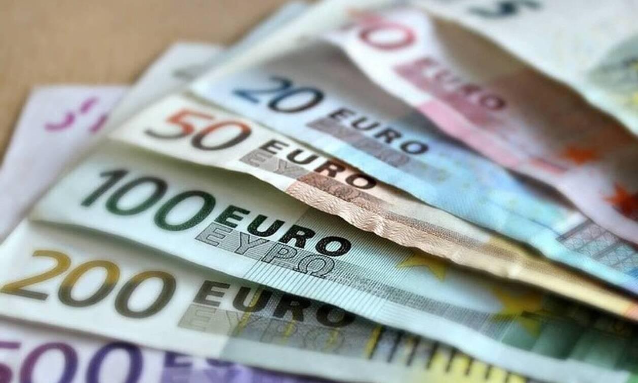 Κορονοϊός: Αυτοί είναι οι τελικοί δικαιούχοι των 800 ευρώ - Τι ισχύει για ελεύθερους επαγγελματίες
