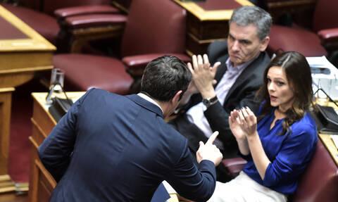 Κορονοϊός - ΣΥΡΙΖΑ: Η κυβέρνηση οδηγεί την οικονομία σε καταστολή