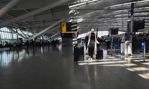 Κορονοϊός - Βρετανία: 200 Έλληνες εγκλωβισμένοι στο αεροδρόμιο Stansted (vids)