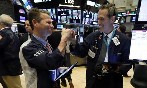 Κορονοϊός: «Ράλι» ανόδου με ρεκόρ 90ετίας στη Wall Street - Νέα άνοδος για το πετρέλαιο