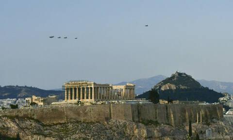 25η Μαρτίου LIVE: Απόδοση τιμών σε όλη την Ελλάδα – Τα F-16 «οργώνουν» τον ελληνικό ουρανό