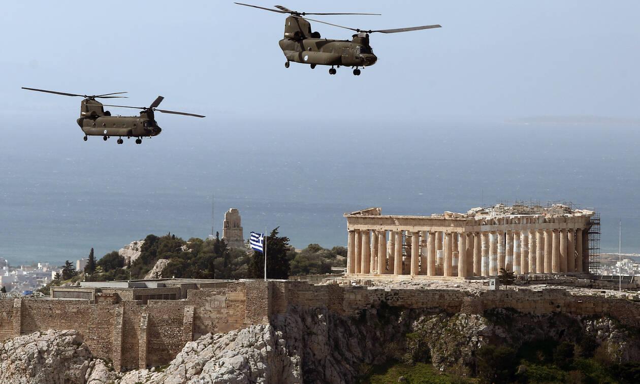 25η Μαρτίου: Mirage και στρατιωτικά ελικόπτερα πάνω από τον Παρθενώνα - Εντυπωσιακές εικόνες