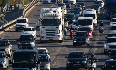 Κορονοϊός: ΑΑΔΕ - Ηλεκτρονικά η βεβαίωση μη οφειλής τελών κυκλοφορίας