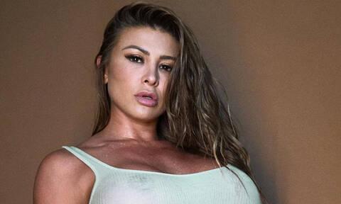 Σεξοβόμβα καλεί να μείνουν μαζί της στην καραντίνα και τα αιτήματα πέφτουν «βροχή»