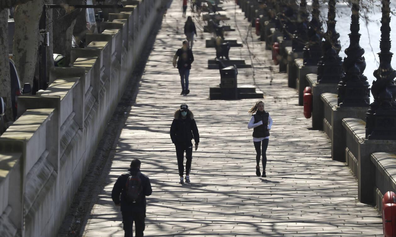 Κορονοϊός-Βρετανία: Στους 465 οι νεκροί από την πανδημία