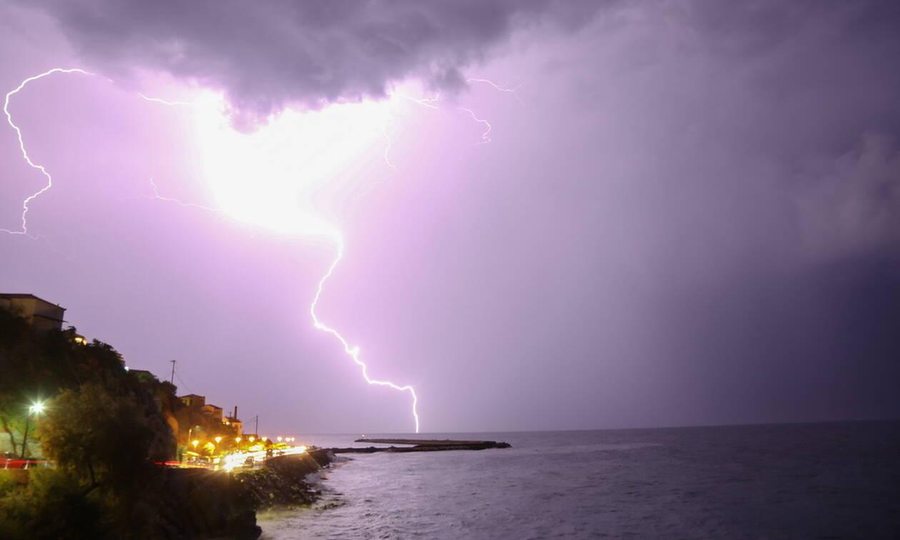 Έκτακτο δελτίο ΕΜΥ: Με βροχές, καταιγίδες και χιόνια η Πέμπτη - Η πρόγνωση για τις επόμενες μέρες