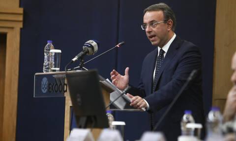Κορονοϊός: «Βόμβα» Σταϊκούρα για μείωση του ΑΕΠ έως και 3%