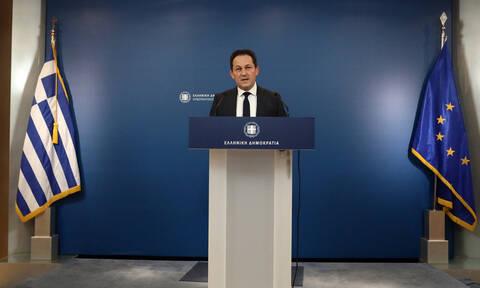 Κορονοϊός: Ο Πέτσας αρνείται τα περί υπερτιμολογήσεων στις ιδιωτικές ΜΕΘ –Τι είπε για τις προσλήψεις