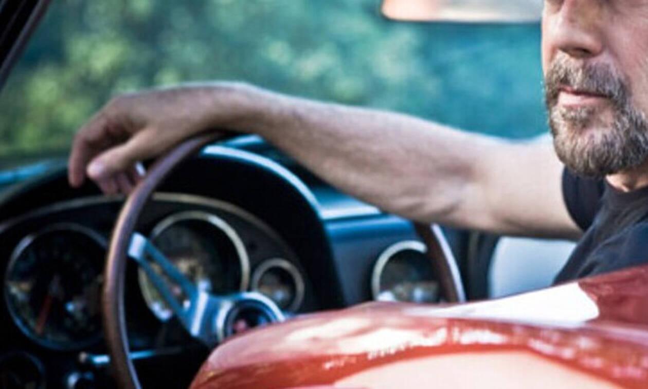 Koίτα πόσες αμαξάρες αγόρασε ο διάσημος ηθοποιός!