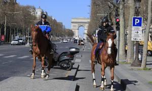 Κορονοϊός: «Θερίζει» τη Γαλλία ο ιός - 365 νεκροί σε ένα 24ωρο