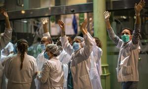 Κορονοϊός: Πλανήτης - «φάντασμα» - 23.000 νεκροί και 500.000 ασθενείς