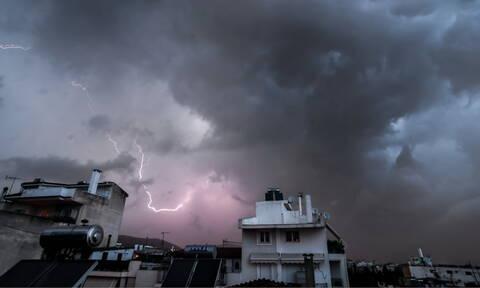 Έκτακτο δελτίο ΕΜΥ: Με βροχές και καταιγίδες η Παρασκευή - Πού θα είναι έντονα τα φαινόμενα
