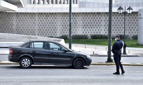Κορονοϊός - Δημοσκόπηση: Πώς βλέπουν οι Έλληνες τα μέτρα και πόσο φοβούνται τον ιό