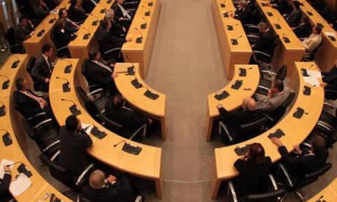 Κύπρος: Διαδικασία express στη Βουλή για τα νομοσχέδια στήριξης της οικονομίας