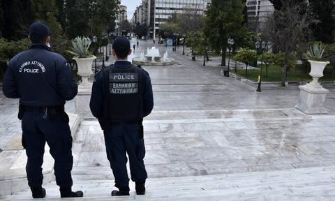 Κορονοϊός: Μόνο στην Ελλάδα αυτά - Έσπασε την καραντίνα  - Ποιος τον κατέδωσε;