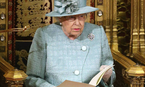 Κορονοϊός Βρετανία: Αγωνία για τη βασίλισσα Ελισάβετ – Πότε συνάντησε τελευταία φορά τον Τζόνσον