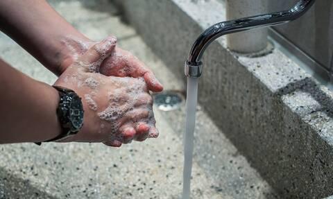 «Όσκαρ» αφηρημάδας: Ήθελε να πλύνει τα χέρια του – Ούρλιαζε από πόνο (pics)