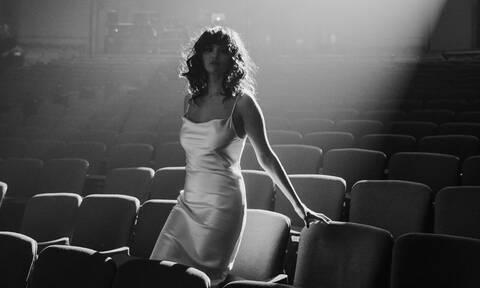 «Dance Again»: Το νέο music video της Selena Gomez βοηθά όσους έχουν πληγεί από την πανδημία