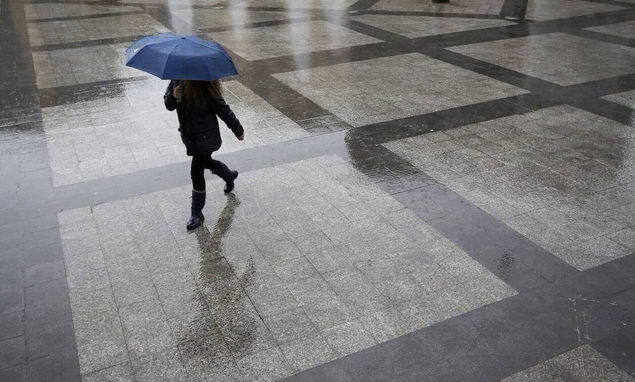 Καιρός: Συννεφιασμένη Κυριακή με βροχές και καταιγίδες - Πού θα είναι έντονα τα φαινόμενα