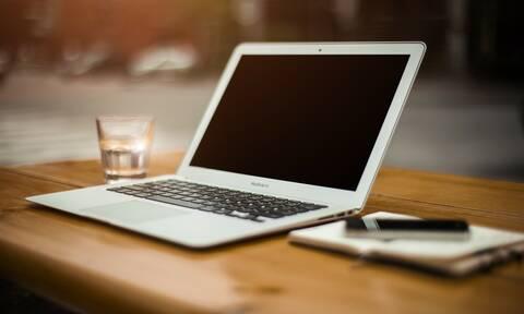 Κορονοϊός - Gov.gr: Όλο το Δημόσιο στην οθόνη του υπολογιστή - Όσα μπορούν να γίνουν από το σπίτι